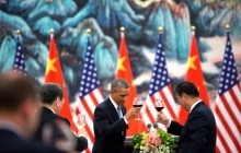 President Barack Obama offers a toast to President Xi Jinping of China. Copyright: Flickr/The White House